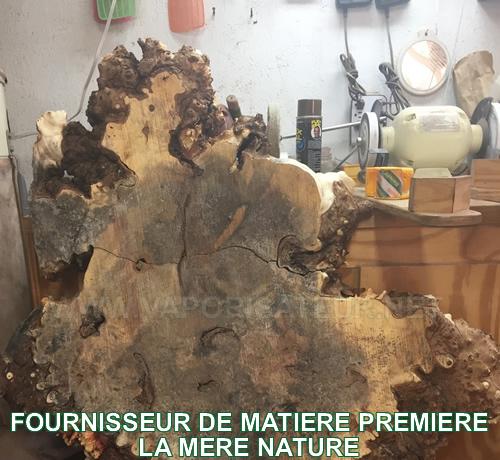 Le bois noble haut de gamme - matière première du corps et des accessoires pour vaporisateur WoodScents AromaLog
